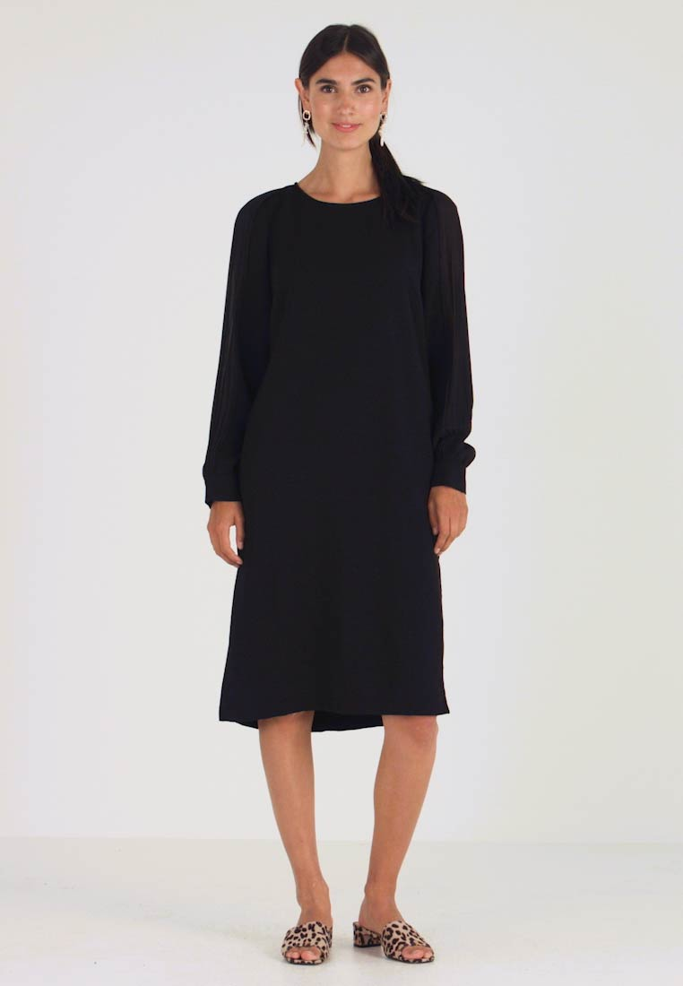 Apart - DRESS WITH PLISSEE SLEEVES - Robe d'été - black - 1