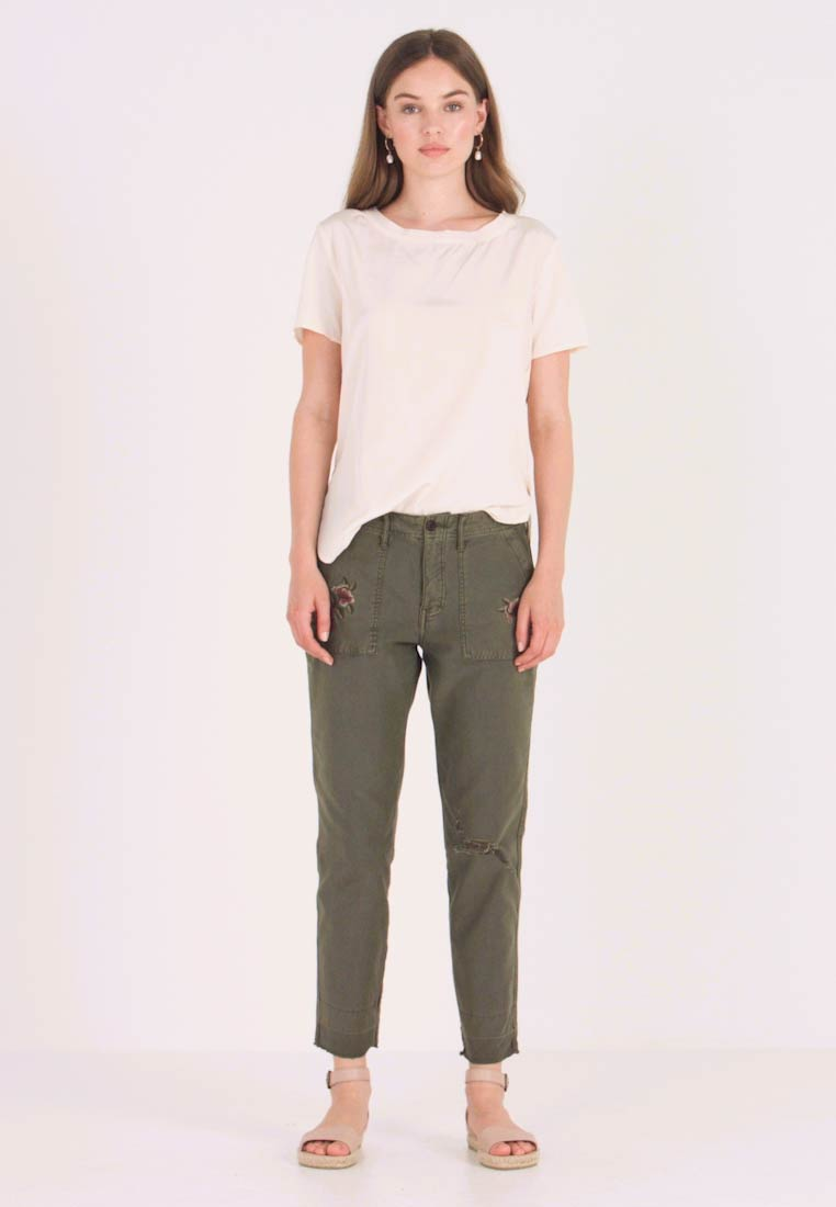 Abercrombie & Fitch - EMBROIDERY - Kalhoty - olive - 1