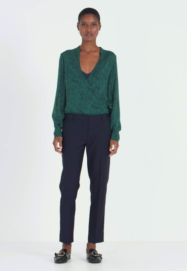 And Less - ALCRISTIE PANTS - Chinosy - blue nights - 1