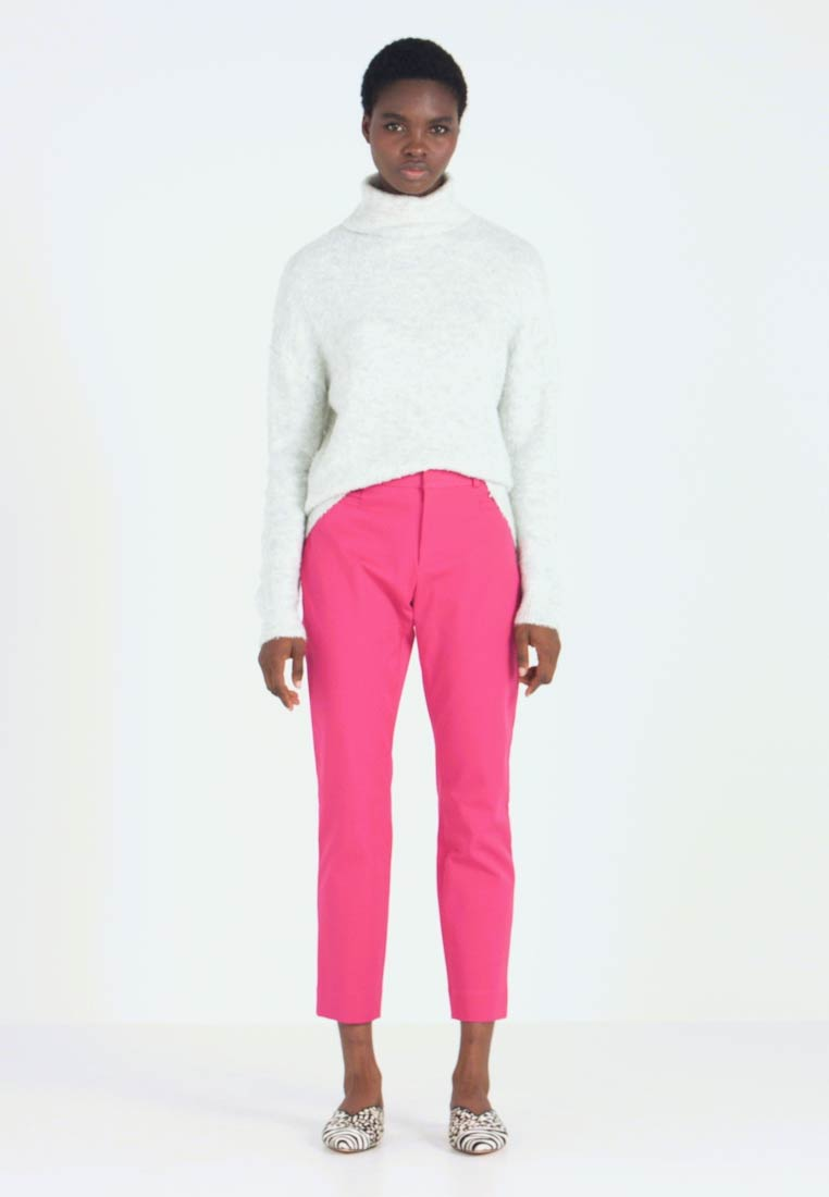 Banana Republic - SLOAN SOLIDS - Chino - fuschia - 1