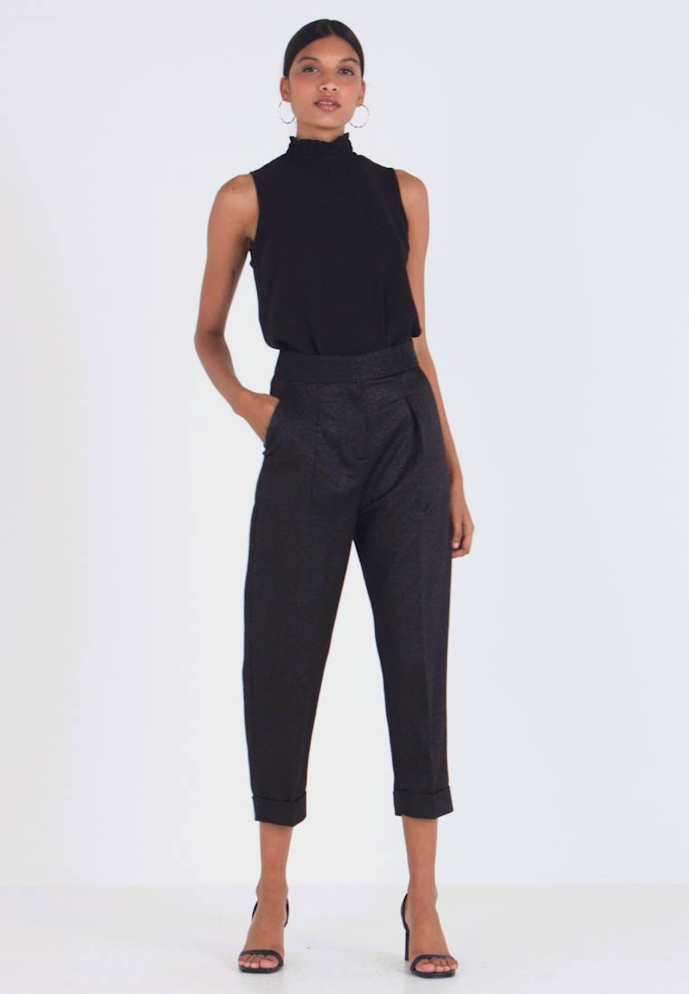 Closet - PLEATED TROUSER WITH TURN UP - Tygbyxor - black - 1