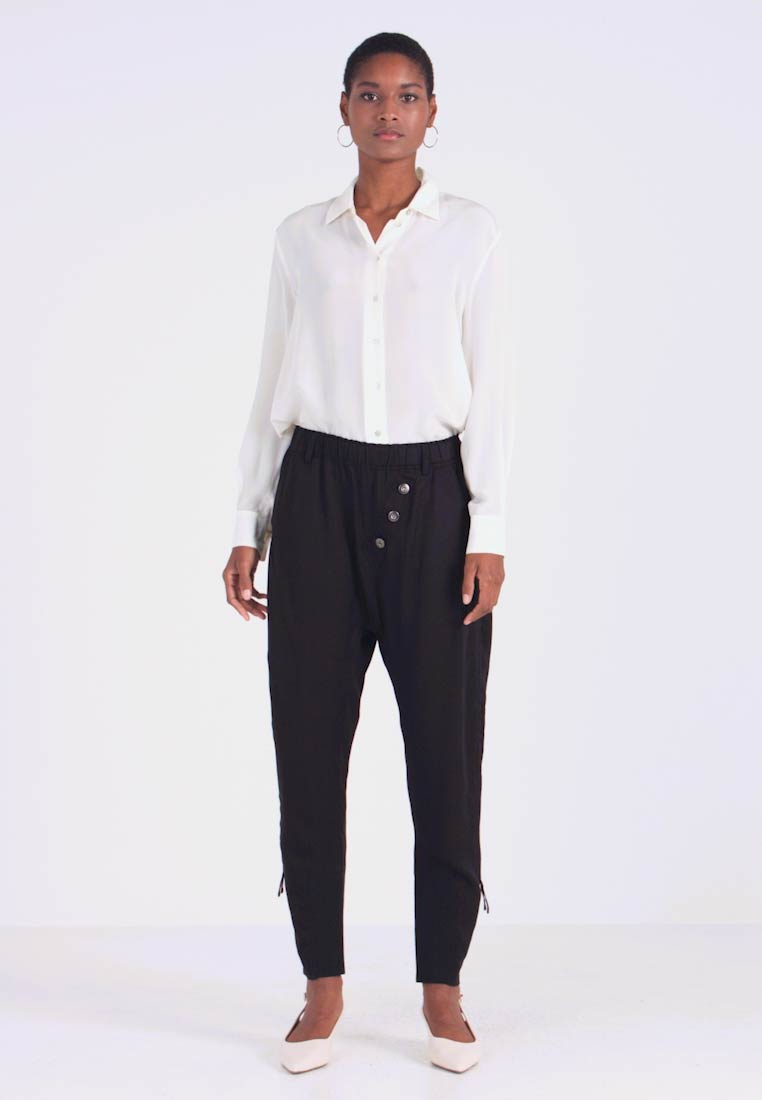 Cream - SILLIAN PANTS - Trousers - pitch black - 1