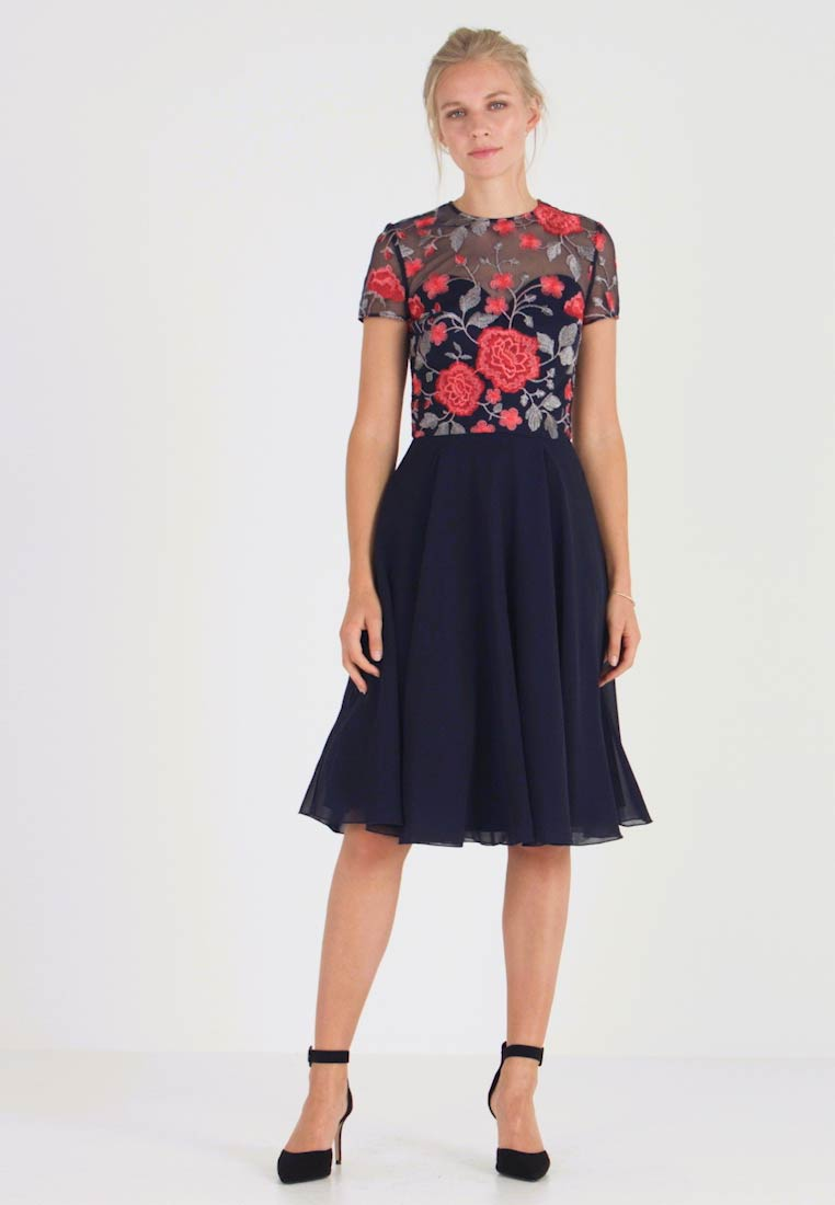 Chi Chi London - MERYN DRESS - Sukienka koktajlowa - navy - 1