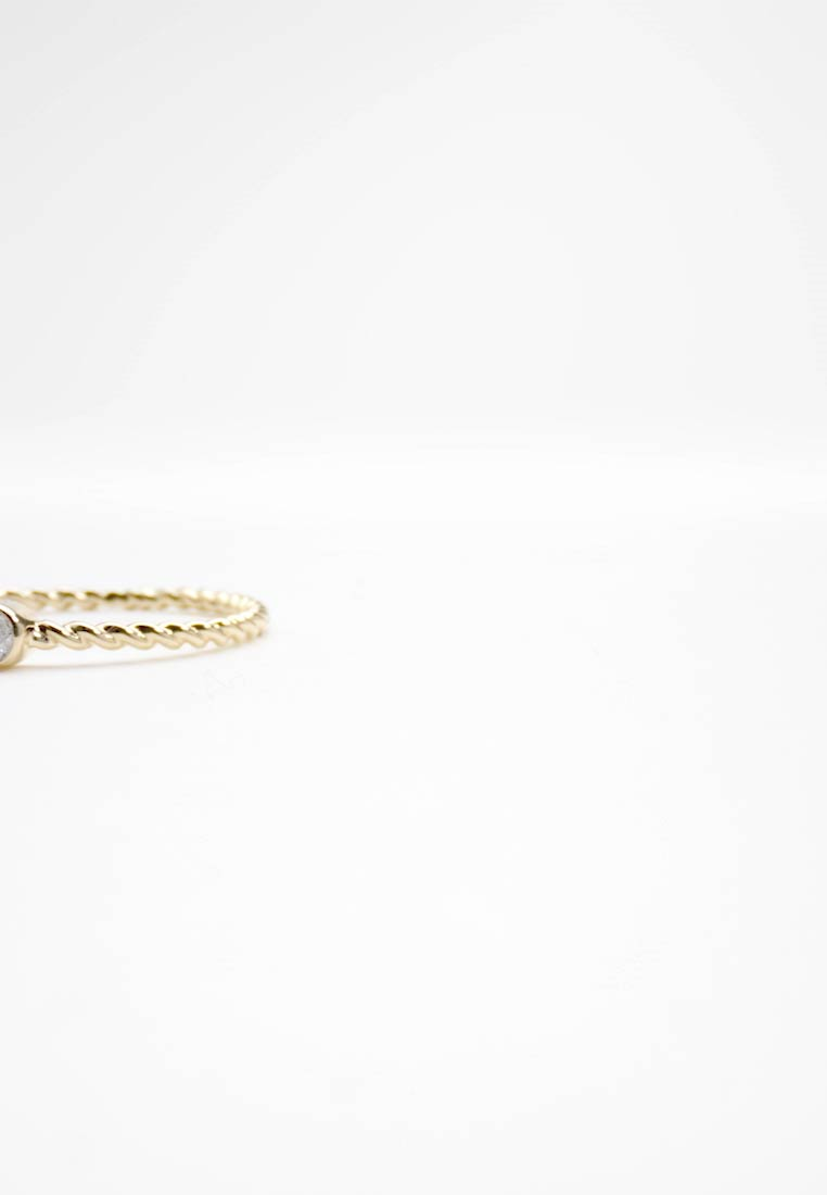 DIAMANT L'ÉTERNEL - 9KT YELLOW GOLD 0.05CT CERTIFIED DIAMOND ENGEGMENT RING - Ring - gold-coloured - 1