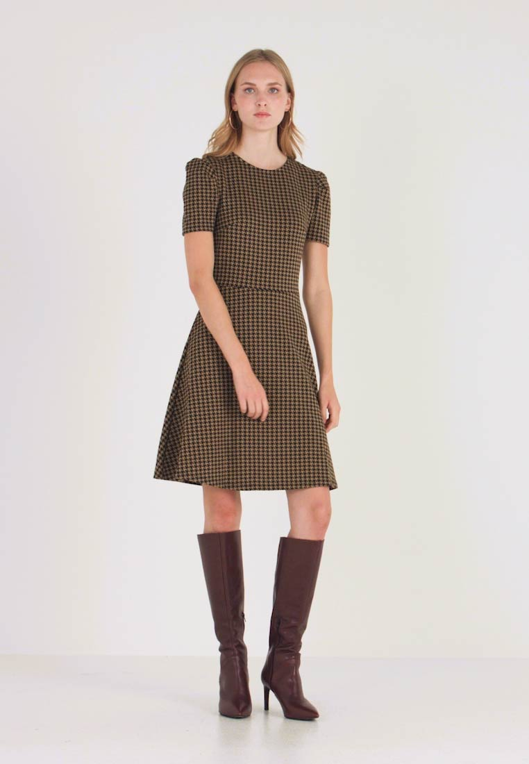 Dorothy Perkins - PUFF SLEEVE DOGTOOTH FIT & FLARE - Jerseyjurk - brown - 1