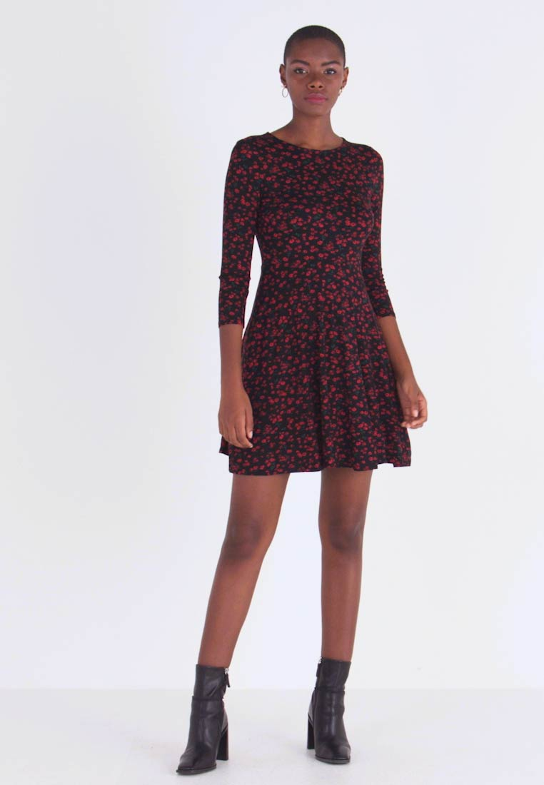 Dorothy Perkins - DITSY FLORAL FIT FLARE - Jerseykjoler - red - 1