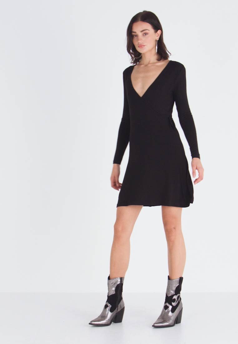 Even&Odd - JEARSEYKLEID BASIC - Jersey dress - black - 1
