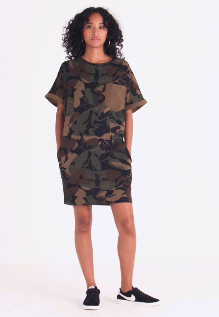 G-Star - MOXEL PKT DRESS WMN S\S - Jersey dress - wild olive/forest night - 1