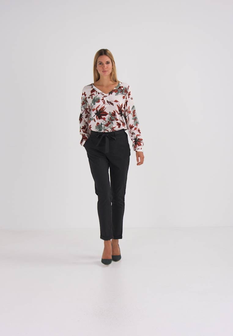 Kaffe - JILLIAN BELT PANT - Broek - dark grey melange - 1