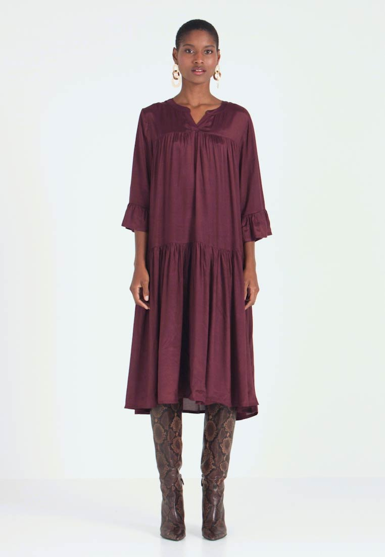 Kaffe - KATHEA 3/4 DRESS - Korte jurk - deep wine - 1