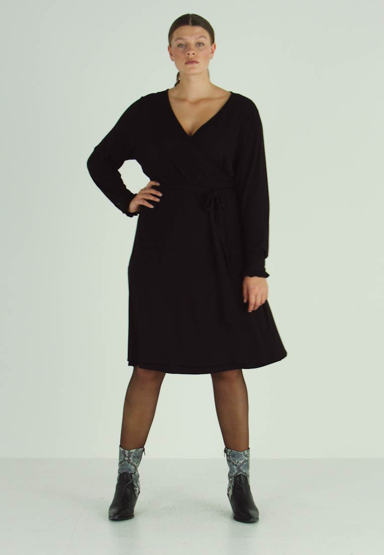 Kaffe Curve - PINA WRAP DRESS - Jersey dress - black deep - 1