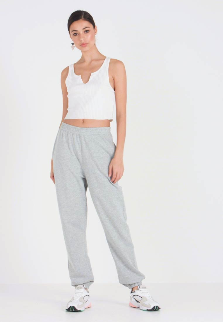 Missguided - BASIC JOGGER - Pantalon de survêtement - grey - 1