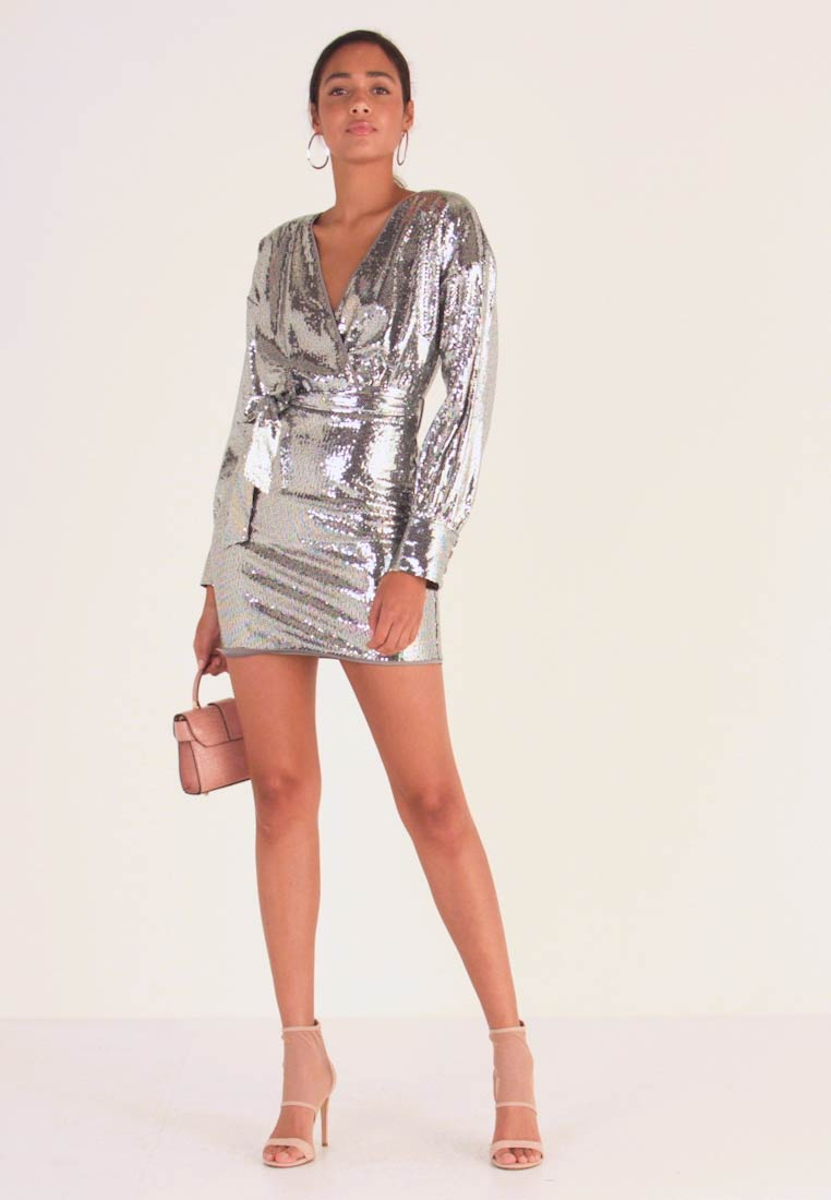Missguided - SEQUIN PLUNGE BELTED MINI DRESS - Robe de soirée - silver - 1