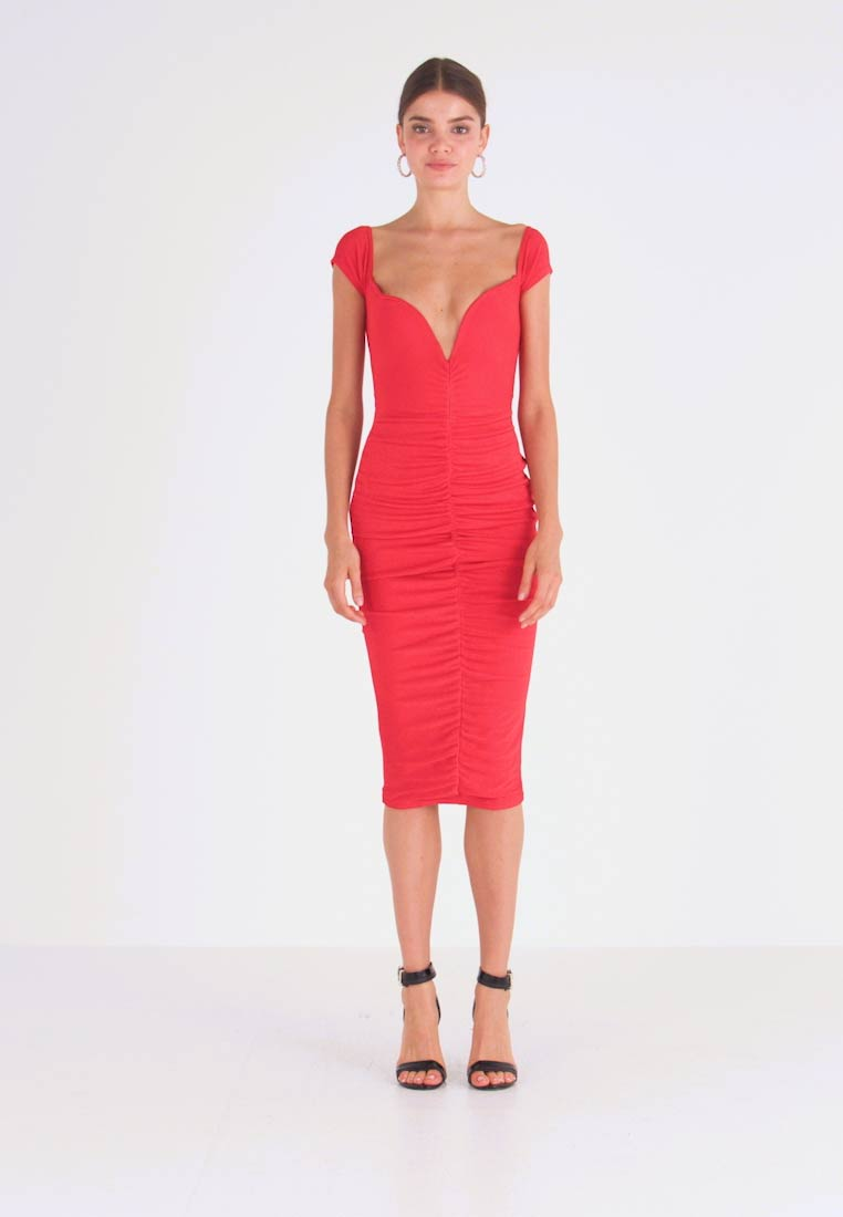 Missguided - V PLUNGE BARDOT RUCHED MIDI DRESS - Jersey dress - red - 1