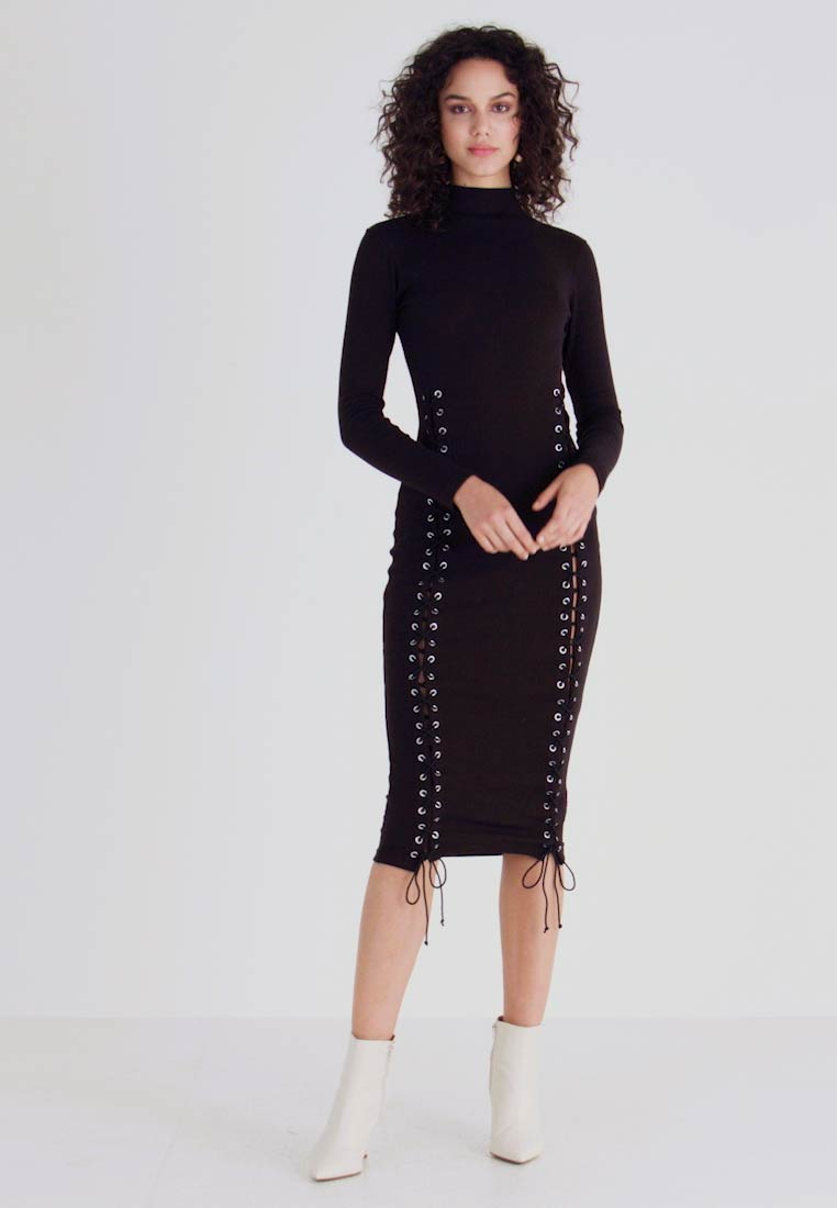 Missguided - HIGH NECK EYELET MIDAXI DRESS - Pouzdrové šaty - black - 1