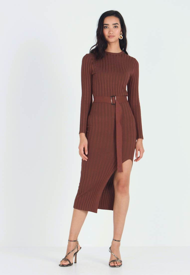 Missguided - BELTED MIDAXI FRONT SPLIT DRESS - Jumper dress - chocolate - 1