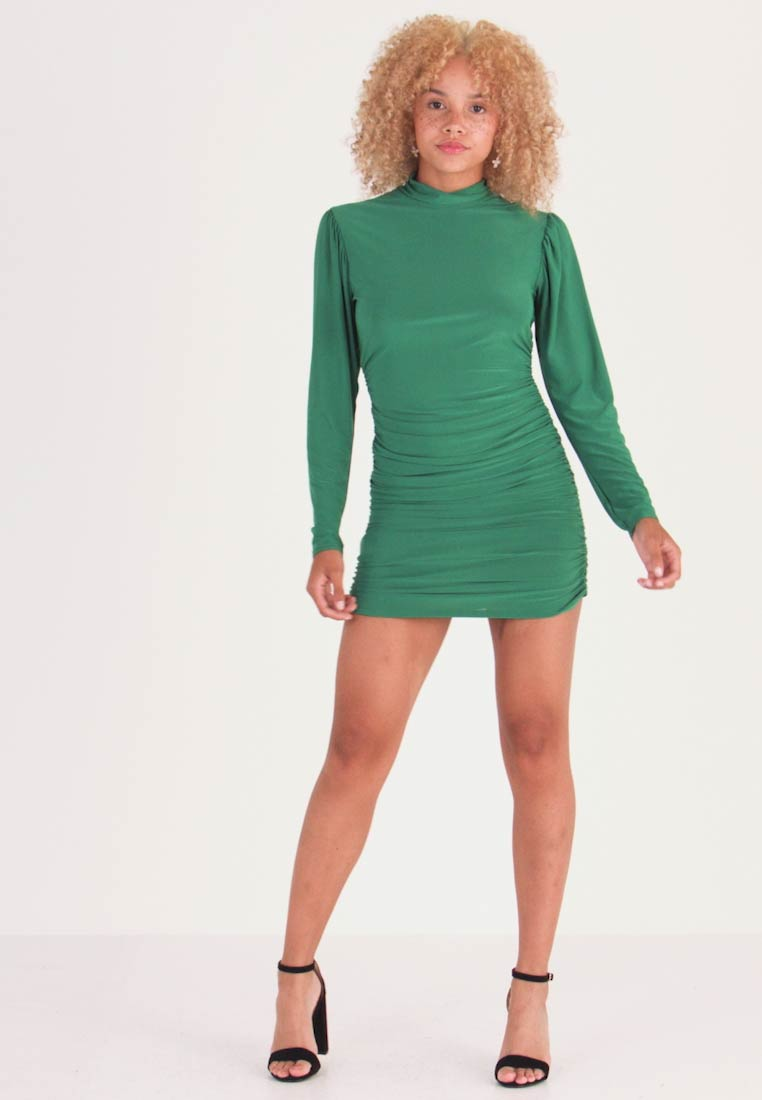 Missguided Petite - TEXTURED HIGH NECK RUCHED MINI DRESS - Shift dress - emerald - 1