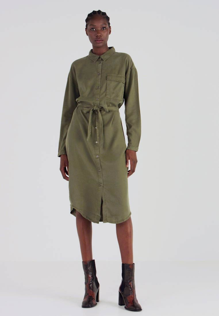 Moss Copenhagen - ROSANNA DRESS - Shirt dress - lichen green - 1