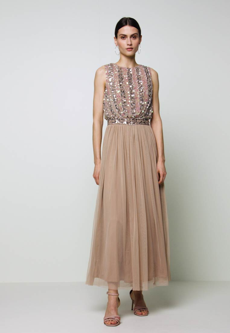 Maya Deluxe - EMBELLISHED OVERLAY DRESS WITH IRIDESCENT SEQUIN DETAIL - Iltapuku - taupe blush - 1