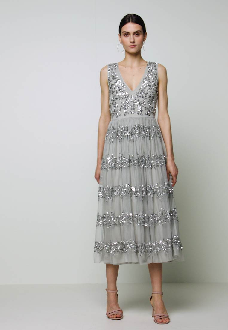 Maya Deluxe - PANELLED EMBELLISHED MIDI DRESS - Gallakjole - soft grey - 1