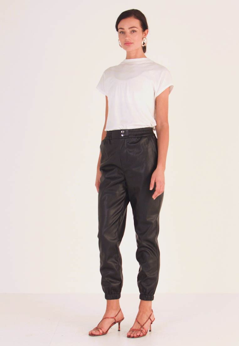 Miss Selfridge - JOGGER - Pantaloni - black - 1
