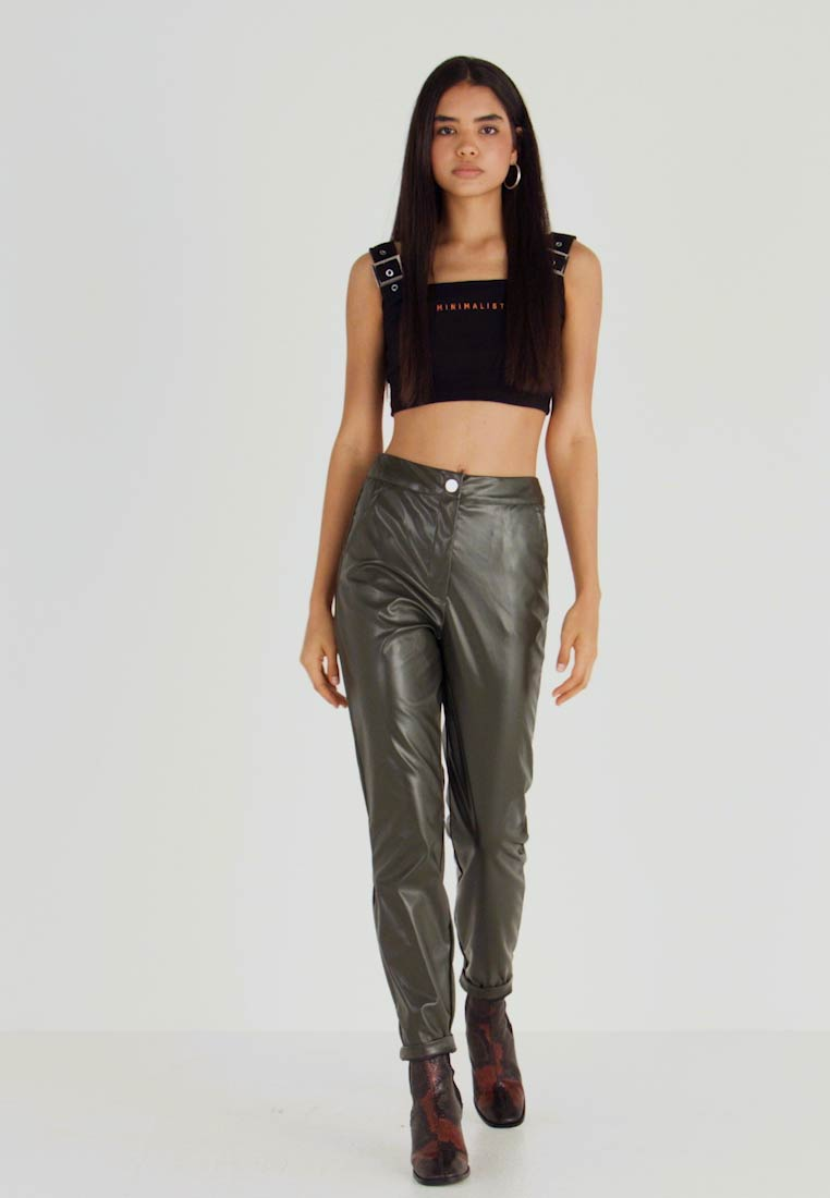 Missguided Tall - PLEAT FRONT CIGARETTE TROUSERS - Bukser - deep green - 1