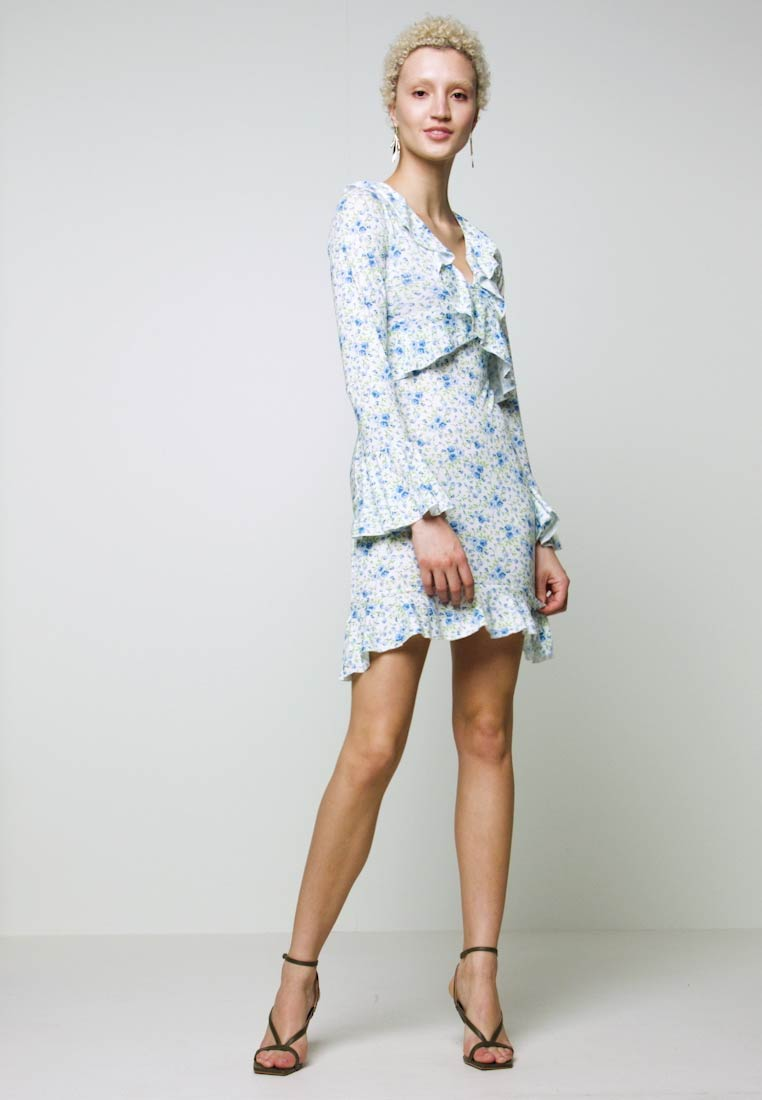 Missguided Tall - FLORAL WRAP FRILL DRESS - Robe en jersey - white - 1