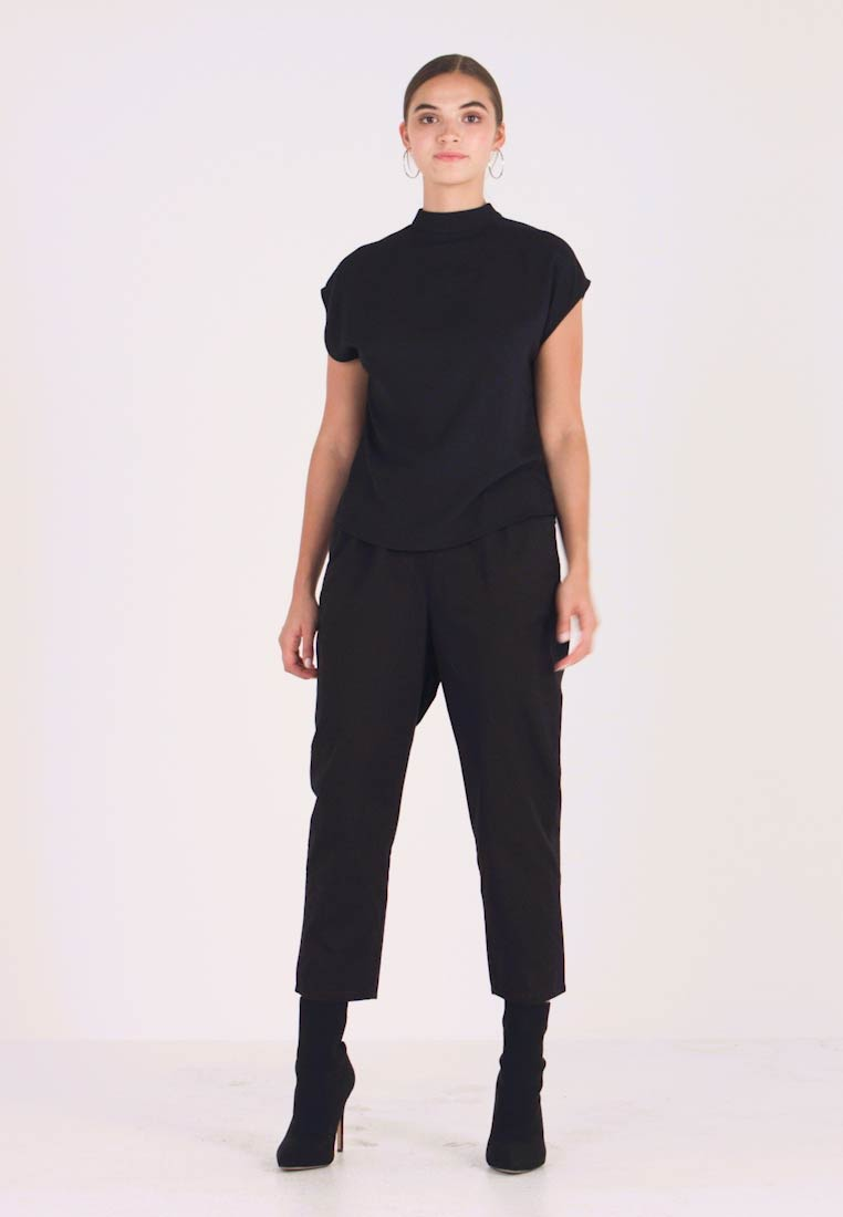 Monki - TINA TROUSER UNIQUE - Pantaloni - black - 1