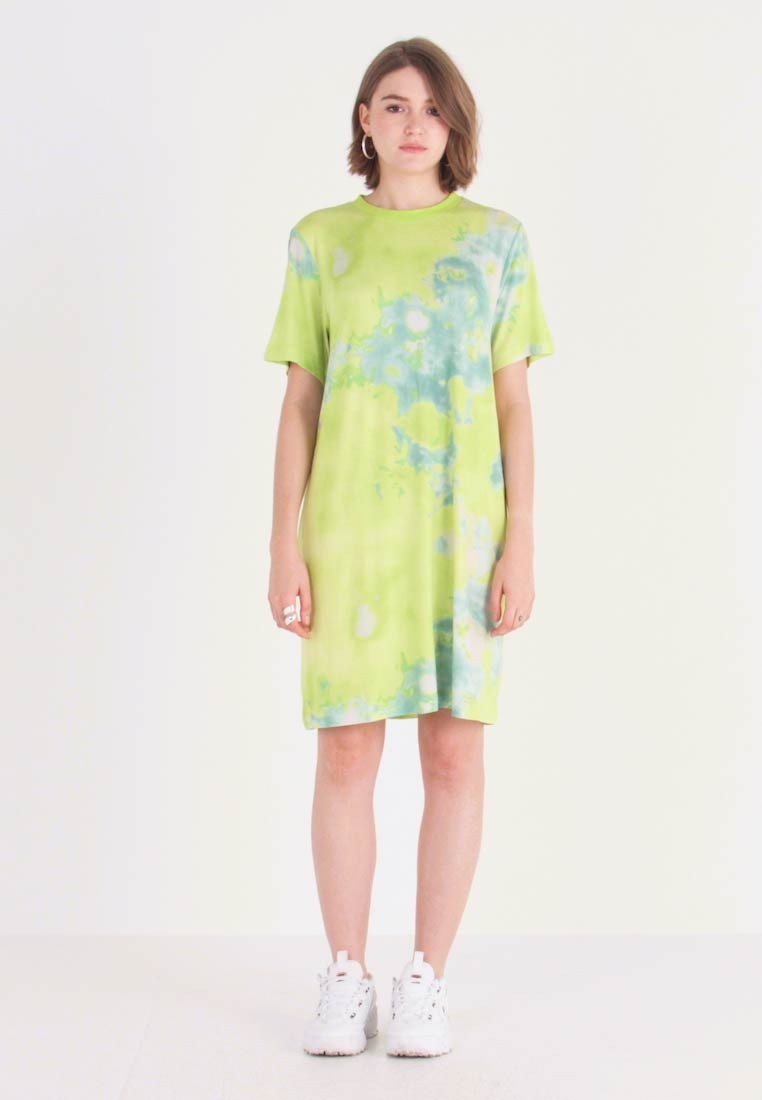 Monki - KARINA DRESS - Žerzejové šaty - tiedye light green - 1