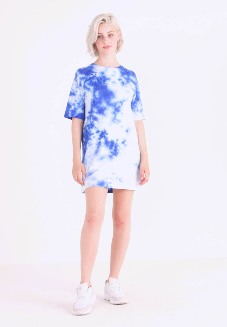 NA-KD - OVERSIZED TIE DYE DRESS - Vestito di maglina - blue - 1