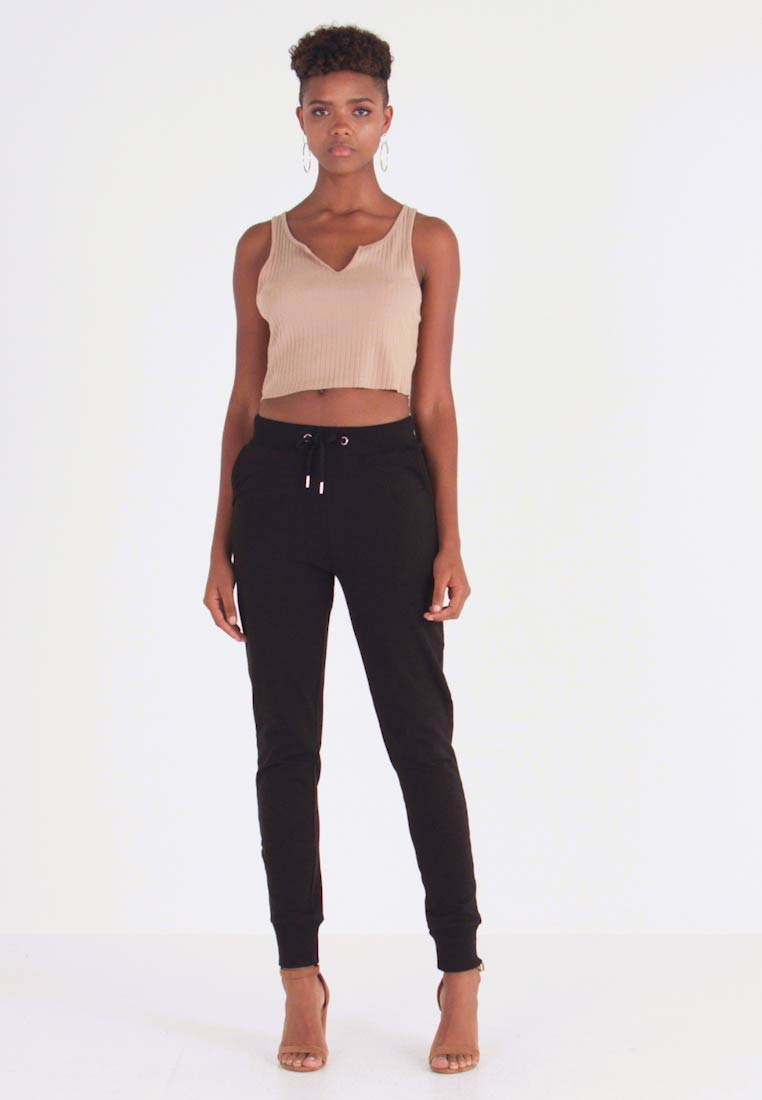Nly by Nelly - PERFECT - Pantalones deportivos - black - 1