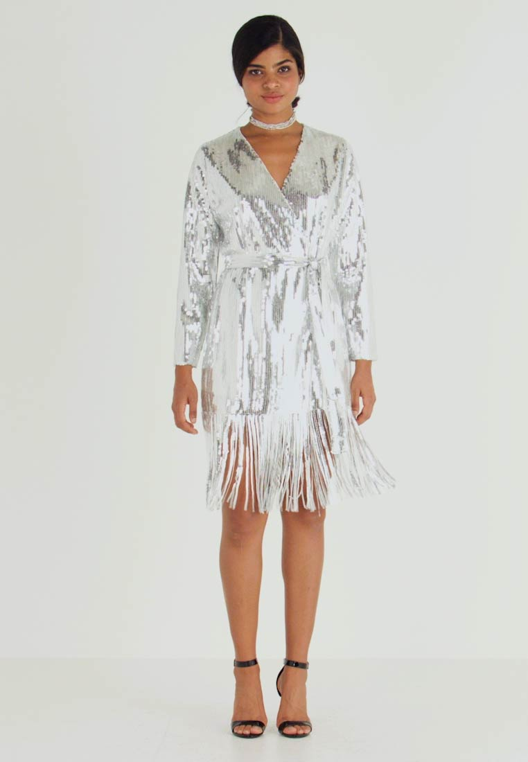 Nly by Nelly - WRAP FRINGE SEQUIN DRESS - Cocktailkleid/festliches Kleid - silver - 1
