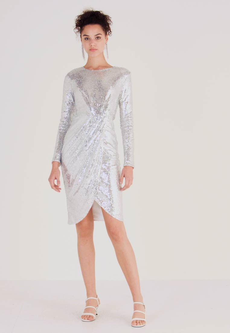 Nly by Nelly - PADDED SEQUIN DRESS - Cocktailklänning - silver - 1