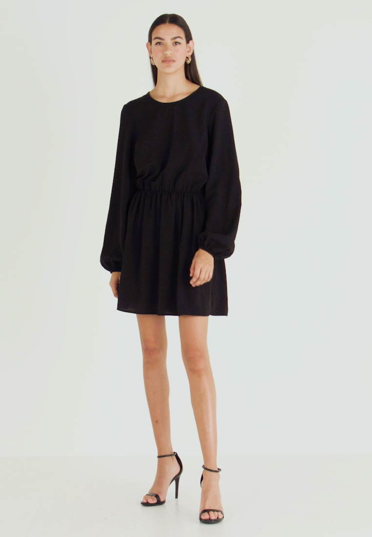 Nly by Nelly - VOLUME BACK FOCUS DRESS - Day dress - black - 1