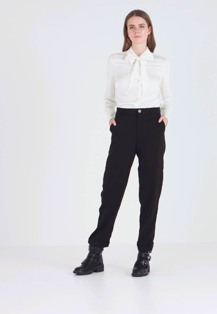Noisy May - NMDARCHY CARGO PANT - Trousers - black - 1