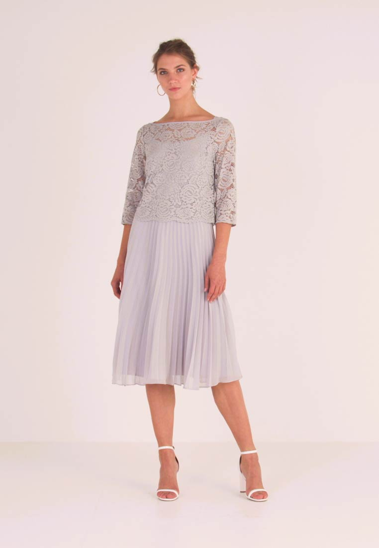 Oasis - ELLIE 3/4 SLEEVE PLEATED MIDI - Juhlamekko - pale grey - 1