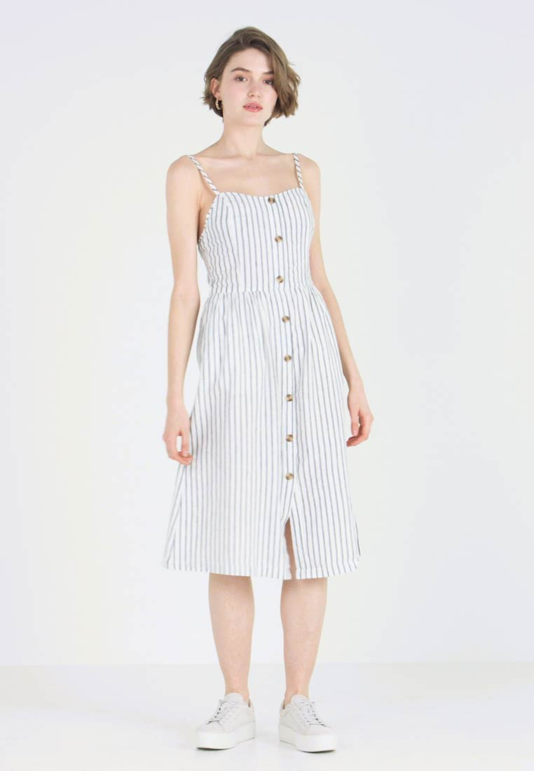 ONLY - ONLLUNA STRAP STRIPE DRESS - Skjortekjole - white - 1