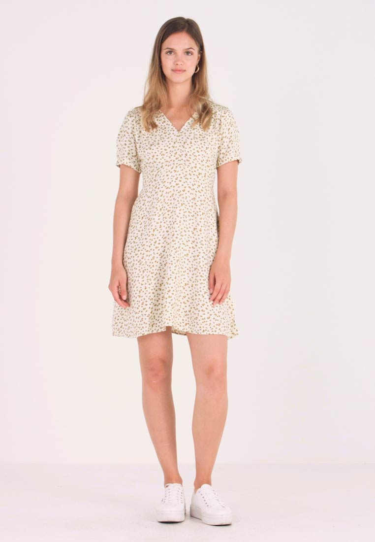 ONLY - ONLJOLIE SHORT DRESS - Hverdagskjoler - cloud dancer - 1