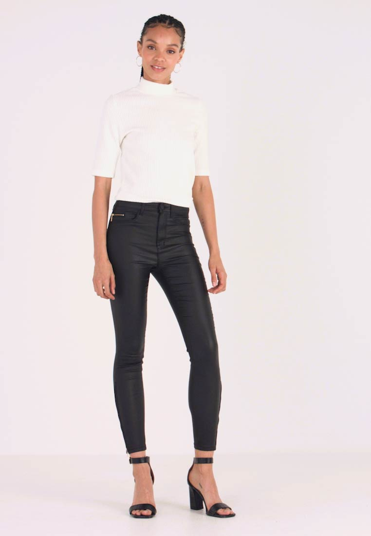 ONLY - ONLROYAL COATED ANKLE ZIP PANT - Skinny džíny - black - 1