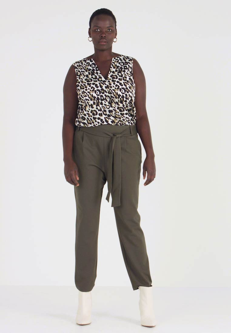 ONLY Carmakoma - CARGOLDTRASH - Trousers - forest night - 1
