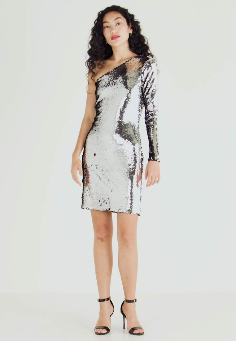 ONLY Tall - ONLHOLLY ONESHOULDER SEQUIN DRESS - Cocktailkjole - silver - 1