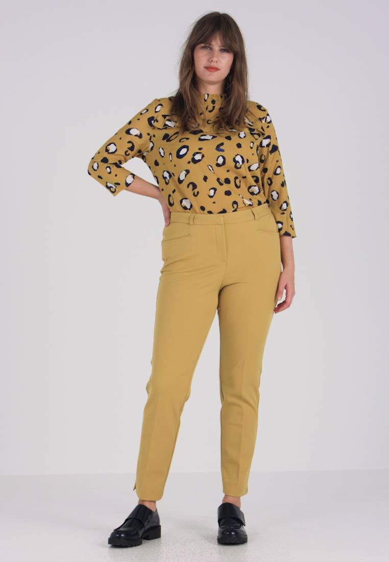 CAPSULE by Simply Be - EVERYDAY KATE TROUSER - Chinot - ochre - 1