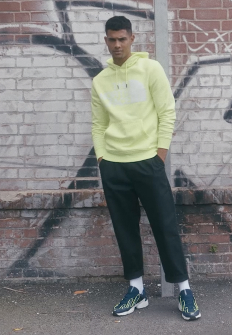 The North Face - STANDARD HOODIE - Sweat à capuche - bright yellow - 1