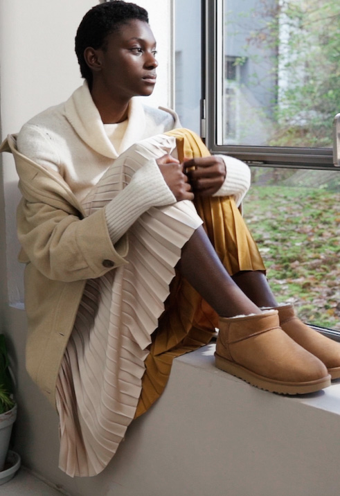 UGG - CLASSIC ULTRA MINI - Ankle boots - chestnut - 1