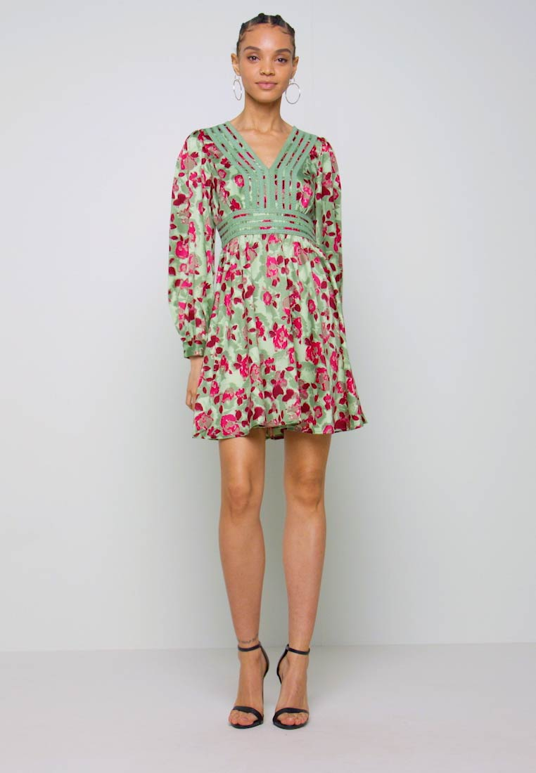 Vero Moda - VMJULIANNA SHORT DRESS - Day dress - laurel green/julianna - 1