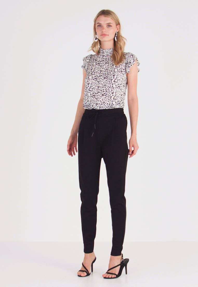 Vero Moda Tall - VMEVA LOOSE STRING PANTS  - Joggebukse - black - 1