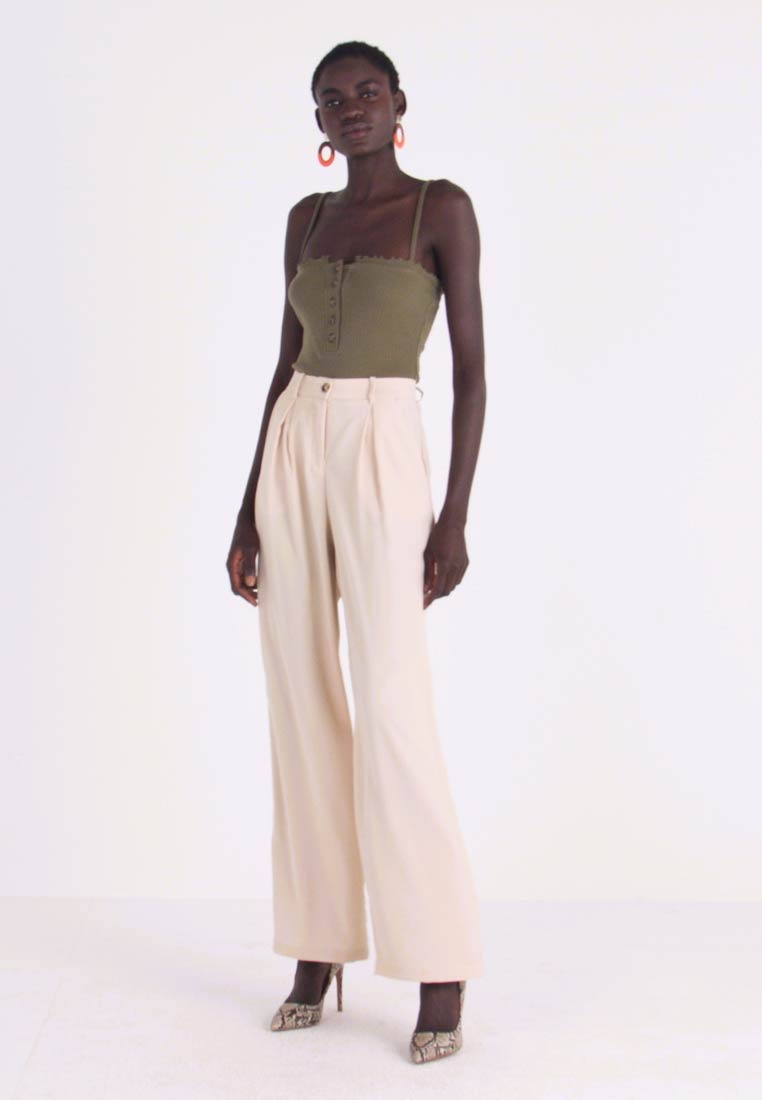 Vero Moda Tall - VMCOCO WIDE PANT - Trousers - oyster gray - 1