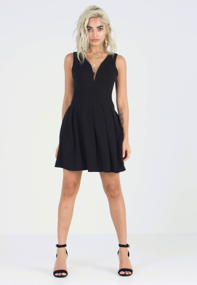WAL G PETITE - EXCLUSIVE V-NECK MINI DRESS - Jerseykjole - black - 1