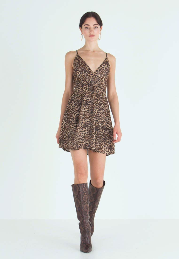 WAL G. - LEOPARD V NECKLINE DRESS - Vestito di maglina - brown - 1
