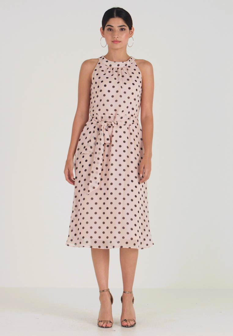 Wallis Petite - SPOT HALTER NECK FIT AND FLARE MIDI - Sukienka letnia - blush - 1